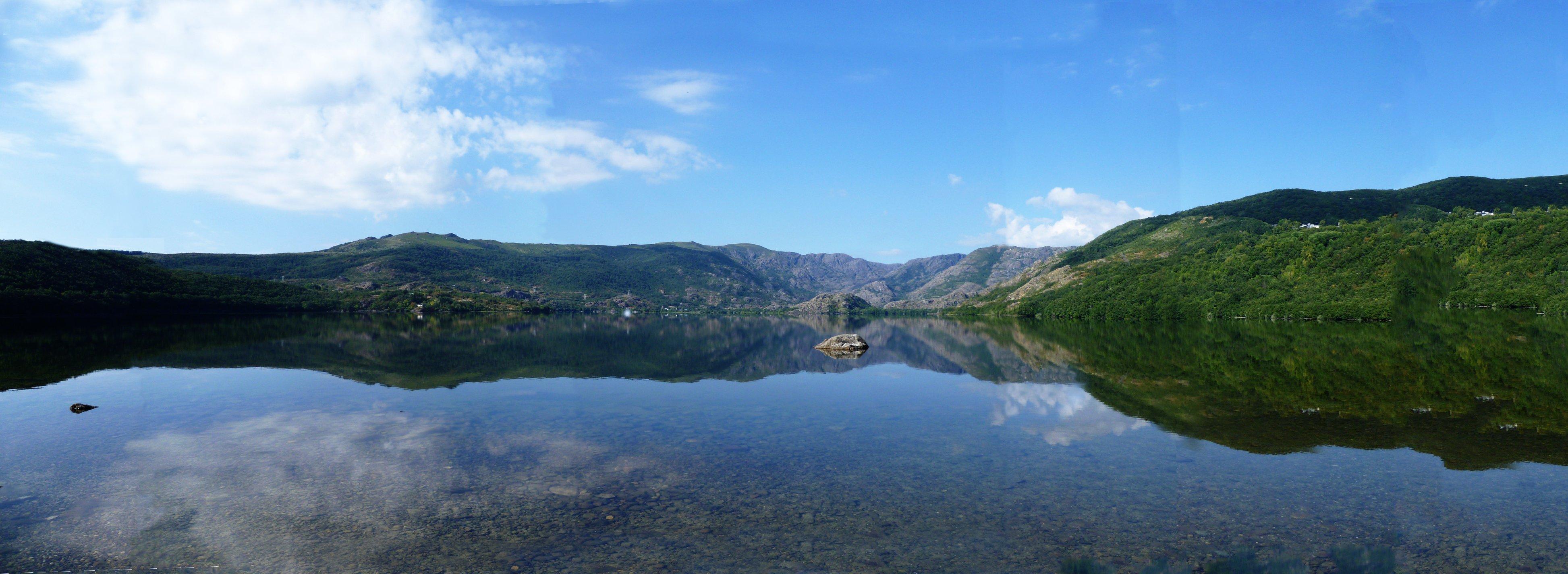 Resultado de imagen de lago de Sanabria